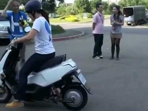 ALOHA Motor Company hydrogen fuel cell scooter