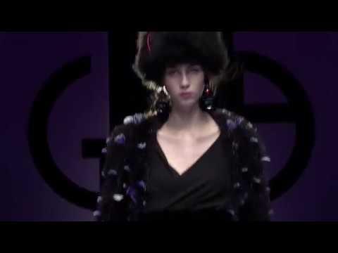 47f339e70ce Giorgio Armani Fall Winter 2018-19 Womenswear Fashion Show Video - Atmosfera