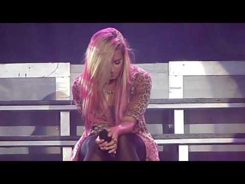 Demi Lovato Toronto Concert - Fix A Heart LIVE