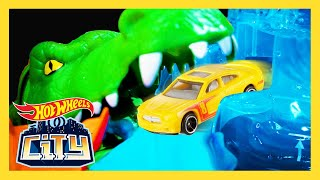 GATOR ATTACKS HOT WHEELS CAR! | Hot Wheels City | Hot Wheels