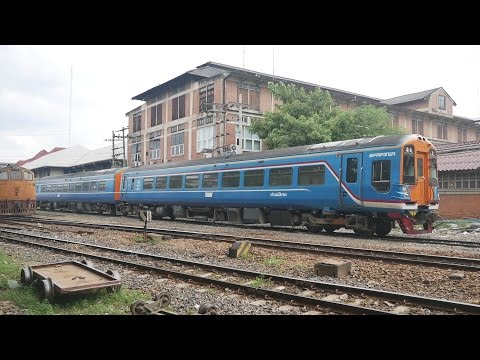 Trains Hua Lamphong SRT Main Train Station Bangkok, Thai class 158 & Fly Shunting, Thailand Aug 2016