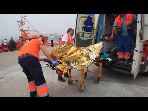 Cuatro cadáveres son recuperados por Salvamento Marítimo y 69 personas son rescatadas en el Estrecho