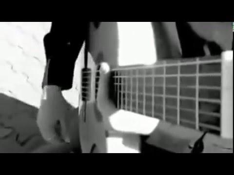 Игра на гитаре супер парень круто сеграл