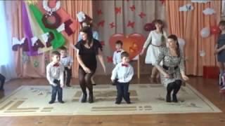 зажигательный танец с мамами на 8 марта в детском саду