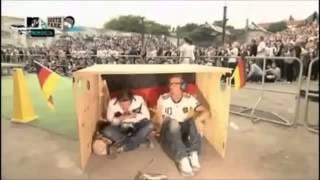 Joko gegen Klaas Aushalten beim Public Viewing thumbnail