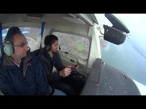 Cessna 152- First flight lesson HD (13 year Old)