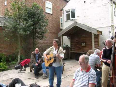 Lynn Goulbourn sings