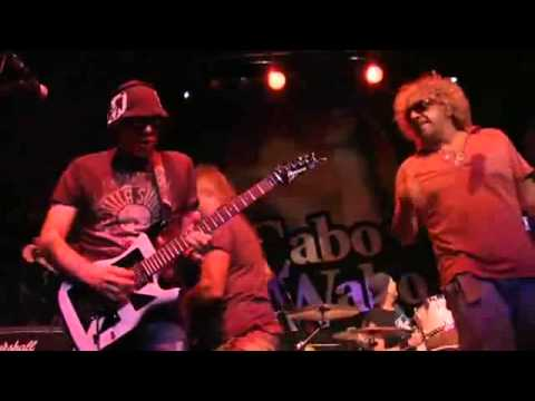 Chickenfoot - Sexy Little Thing (Live 2010)