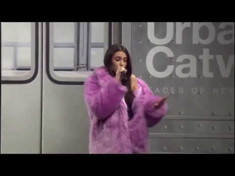madison beer - home with you  (live at maybelline urban catwalk show 2018)