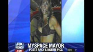 Mayor posts racy pictures on Myspace