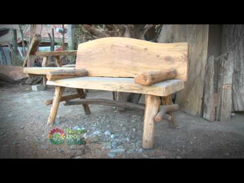 Muebles con troncos de rboles youtube for Barras de bar rusticas para jardin