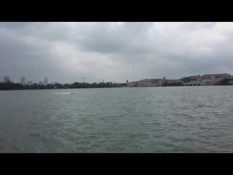 Traxxas Spartan bash in Jinji lake Suzhou China . Flip. Rescue!