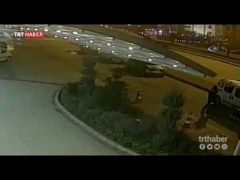 Otomobilin camını kırarak 30 bin lira çaldı.