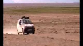 team rubik crew in desert - mongol rally 09