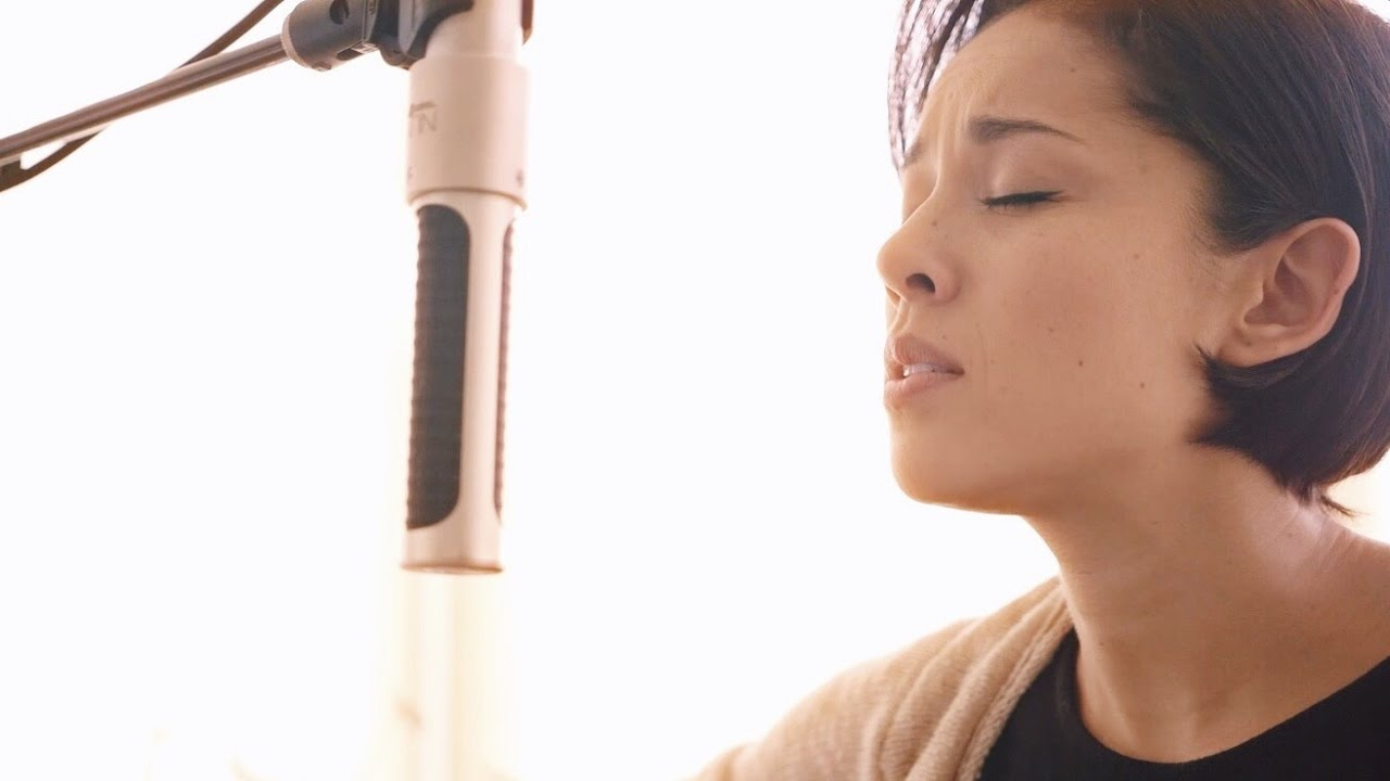 kina-grannis-cant-help-falling-in-love-cover-kina-grannis