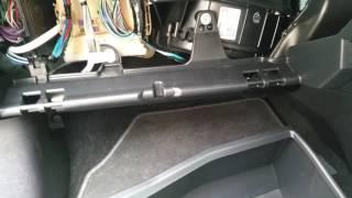 Toyota Auris hybrid  2015  wymiana filtra kabinowego