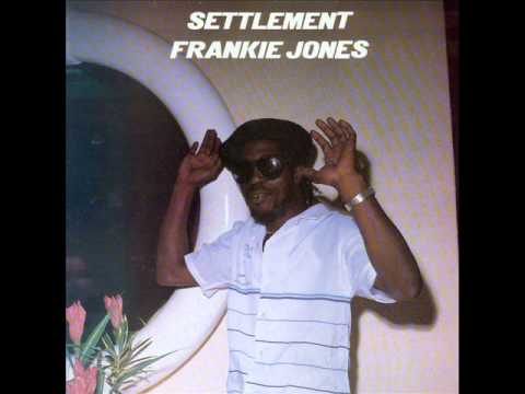 Frankie Jones - Jennyfer Brown