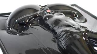 Latex vacbed shooting in complete latexdress and inflatable latexmask