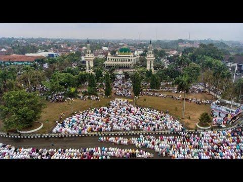 شاهد: المسلمون حول العالم يقيمون صلاة عيد الأضحى  - 11:54-2019 / 8 / 11
