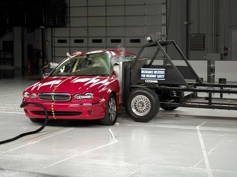 2004 Jaguar X-Type side IIHS crash test