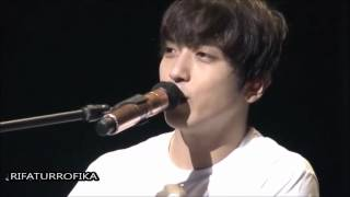 In this video, we can see how Yong Hwa is a funny boy ^^ Cnblue a b...
