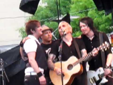 "Everclear ""Far Away Eyes""  Live"