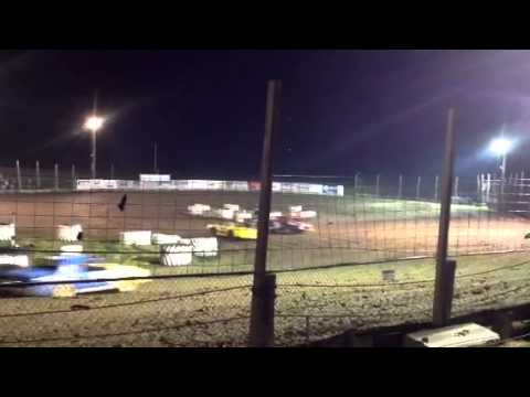 Fig 8 in Brooklyn Raceway @ 7:15pm Sept 20, 2013 Pro Stock