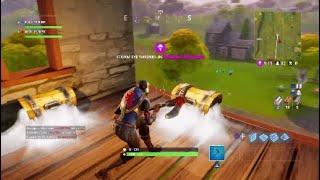 I found a silver chest ( weird glitch):Fortnite Battle Royale