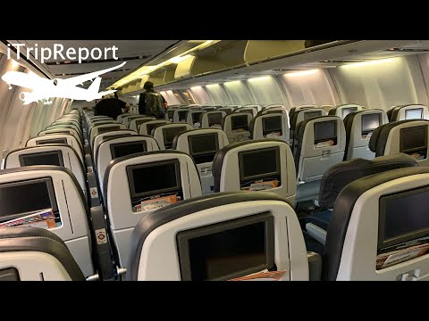 United Airlines 737-900 Economy Review