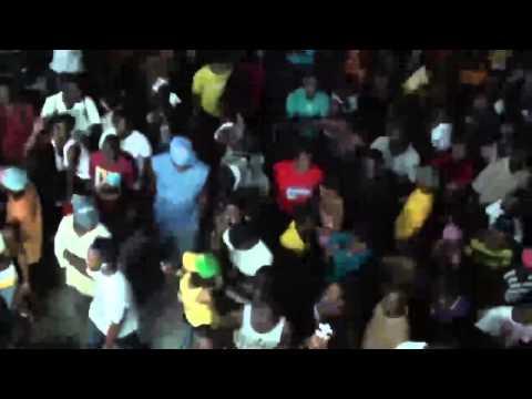 HAITI CARNAVAL A CARREFOUR 1