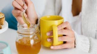 Gambar cover Beve acqua, miele e limone per un anno e la sua vita si trasforma così: gli effetti sul corpo