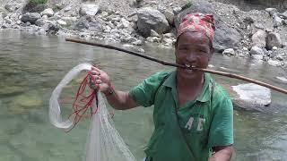 HIMALAYAN TROUT FISHING IN NEPAL | CAST-NET FISHING | STREAM RIVER FISHING |FISHING IN SMALL RIVER |