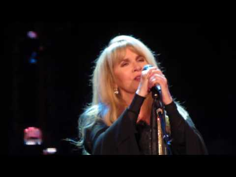 Stevie Nicks - Leather And Lace - LIVE 4th Row Denver 27OCT2016
