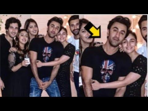 Alia Bhatt Tightly HUGGING Boyfriend Ranbir Kapoor At Her Friends Akansha Rajan's Birthday Party Mp3