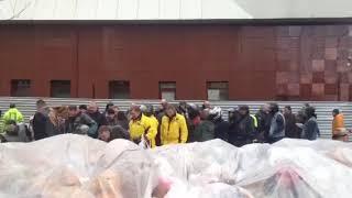 В Кемерове байкеры возложили цветы у «Зимней вишни» в честь открытия мотосезона