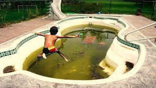 Un enfant saute dans une piscine sale depuis 10 ans... thumbnail