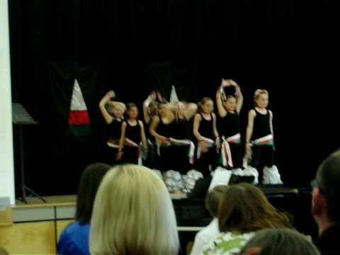 Ysgol Gymraeg Casnewydd Disco Dancing March 2009