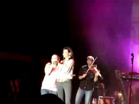 Sara Evans - Suds In The Bucket W/Asha