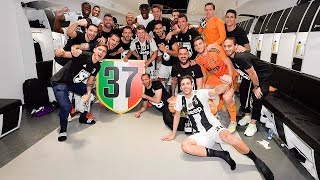 From the pitch to the locker room: Juventus celebrate #W8NDERFUL
