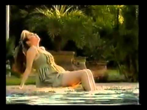 "Thalia ""Lagrimas"" Live (1994)."