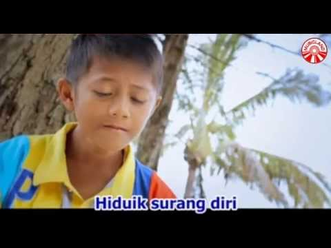 Fadly - Ayah Jo Mandeh [Official Music Video]