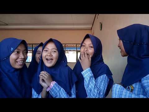 Hymne guru cover 8D 2018/2019, SMP N 2 Banjarharjo