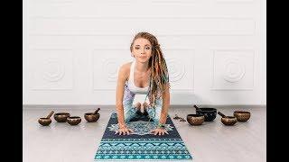 Йога для начинающих с Майей Мерлински.