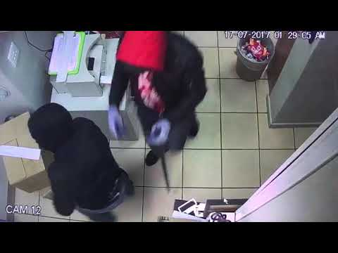 Armed robbery at BP petrol station in Western Cape! #3
