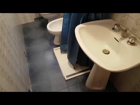 Come ristrutturare un bagno stretto e lungo: 5 trucchi per renderlo più grande