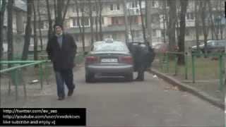 How a Cab Driver Removes a Drunk Passenger