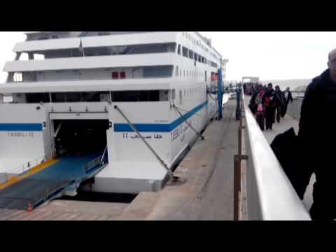 Débarquement contrarié des passagers du Tassili 2 à Alicante