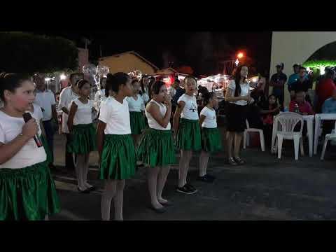 Escola Chicó Maria canta e encanta em Libras