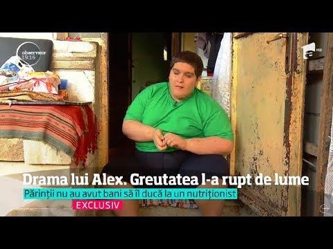 Greu în România. Copilul care mănâncă trei pâini pe zi