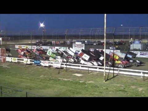 Steven Richardson snappin' necks and cashin' checks / 4-24-2016 / URSS Sprint Cars / Wakeeney Ks.